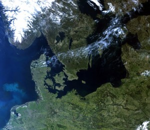 The Copernicus Sentinel-3B satellite captured this rare cloud-free view of Northern Europe on May 8, 2018, at 09:33 GMT (11:33 CEST). Features over land and water can been seen clearly such as different types of land cover, snow and also a plume of phytoplankton in the North Sea. The image was taken by the satellite's ocean and land color Instrument. (Image: ESA)