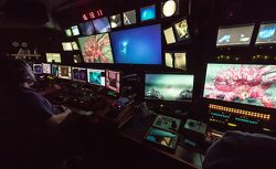 Control room of the Okeanos. (Photo: NOAA)